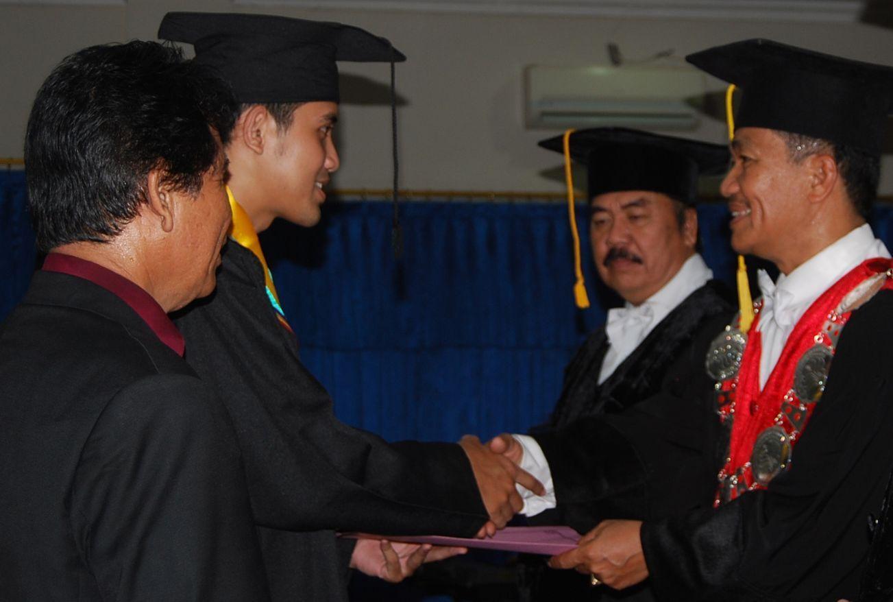 Dekan: 28,5% Wisudawan FH dari Luar Jawa