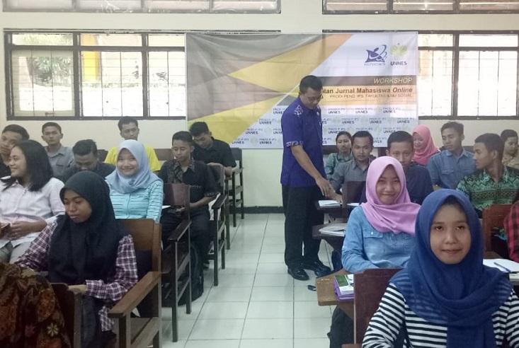 Tingkatkan Publikasi, Prodi Pendidikan IPS Selenggarakan Workshop Penerbitan Jurnal Online Mahasiswa