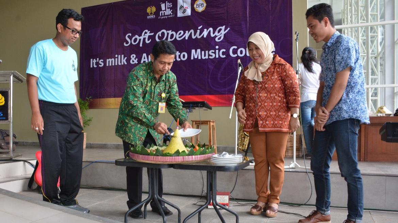 Sekolah Musik Animato dan Its Milk Cafe Hadir di KWU UNNES