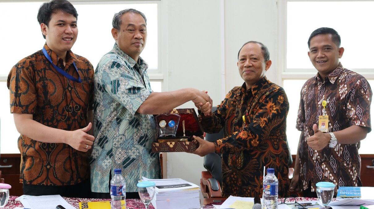 Tracer Study Indikator Penting Pemetaan Track Karir Alumni