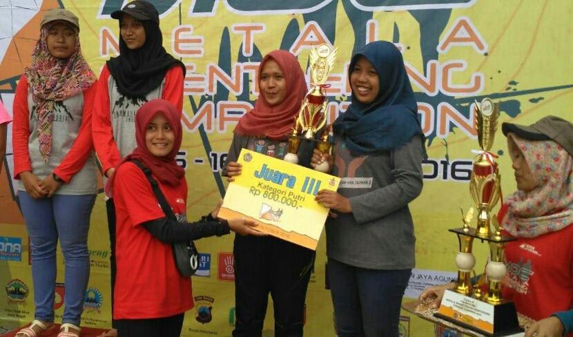 Mapala FIS UNNES Juarai Lomba Orienteering di UMS