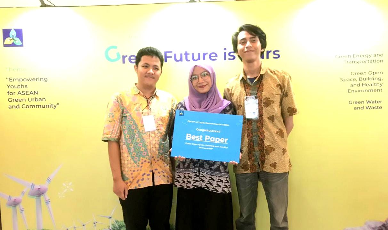 Karya Tulis Mahasiswa FIS UNNES Menjadi Best Paper di UI