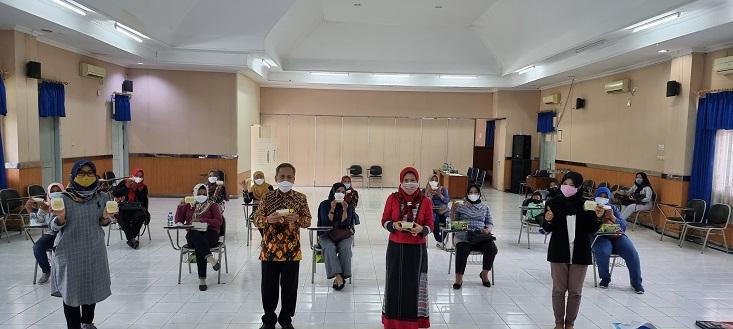 Dorong Pertumbuhan Kampung Wisata, Tim Pengabdian UNNES Tingkatkan Keterampilan Warga Kelurahan Pakintelan Kota Semarang