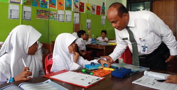 """Cara Prof DYP Mengajarkan """"Pekerjaan"""" ke Anak SD"""