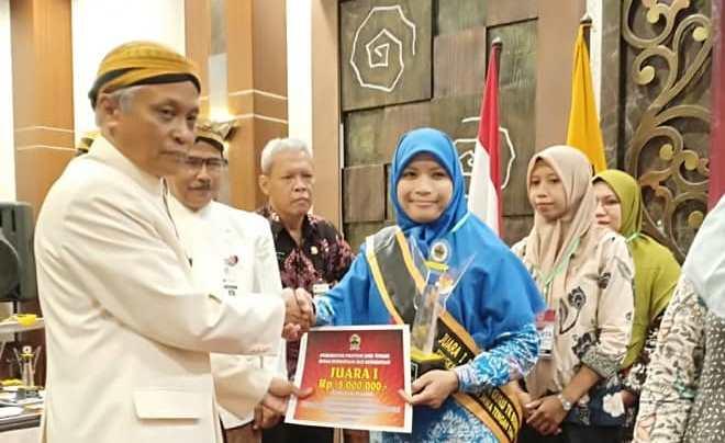 Sri Wiji, Guru TK Labschool UNNES Peringkat 1 Guru Berprestasi Jawa Tengah
