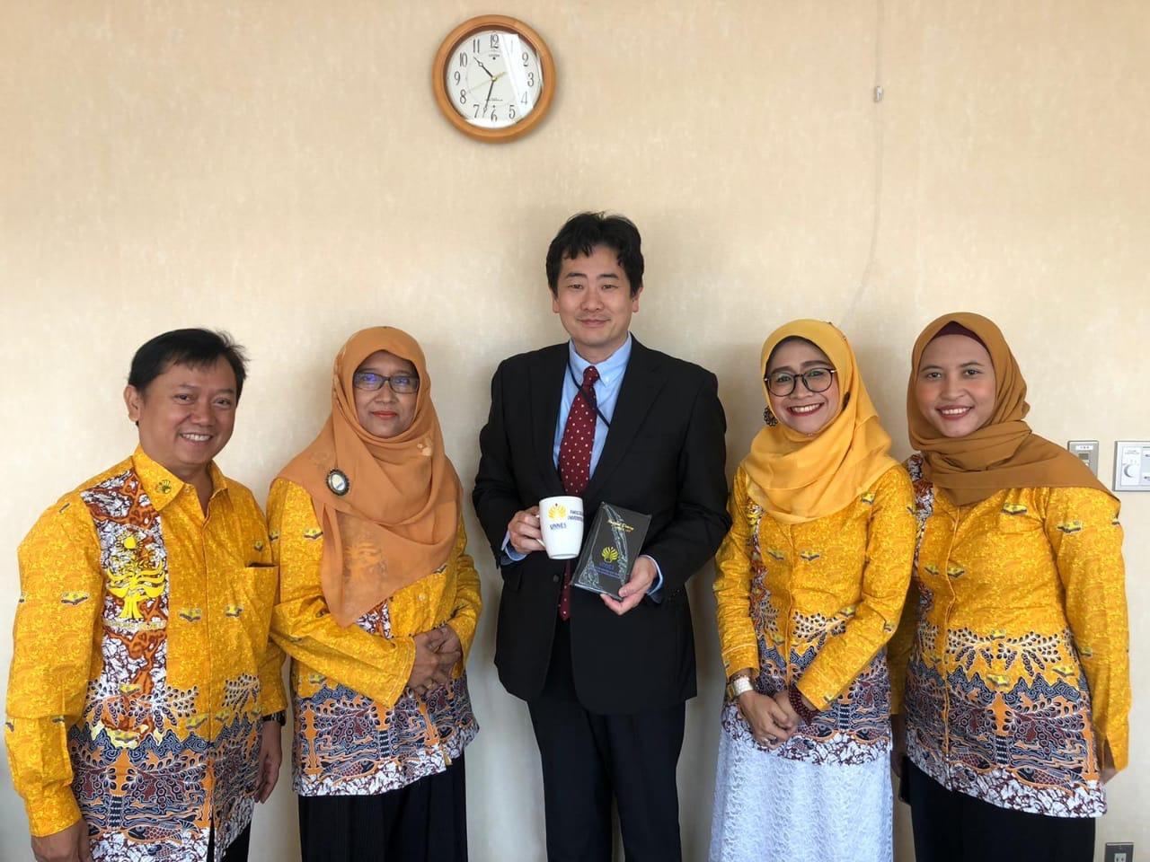Beri Kuliah di Keio University, FBS Dorong Reputasi Internasional