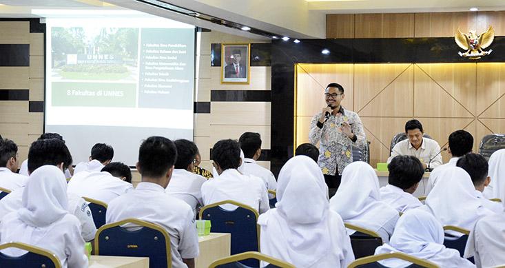 83 Siswa dan 8 Guru SMA Insan Rabbany Tangerang Kunjungi UNNES