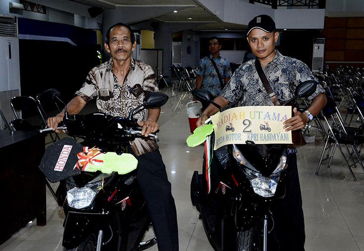 RAT KPRI Handayani, Munir dan Sulistiyo dapat Sepeda Motor
