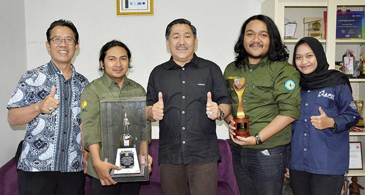 Marching Band UNNES Juara Umum dan Satu Tingkat Nasional
