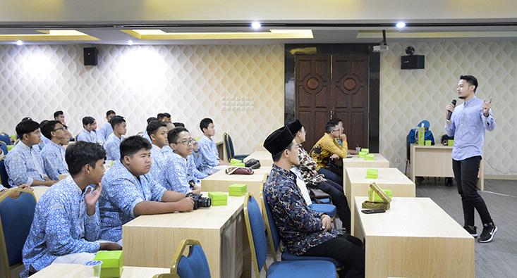 Kunjungi UNNES, 80 Siswa SMA Ar Rohmah Malang Antusias Melanjutkan Pendidikan Tinggi