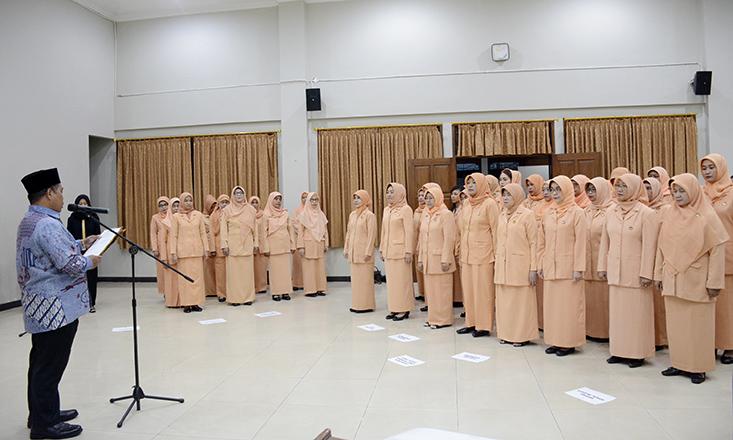 Pengukuhan Pengurus Dharma Wanita Persatuan UNNES Periode 2020-2024