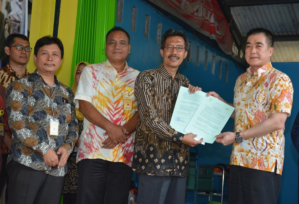 Fakultas Teknik Bekerjasama Nasmoko Buka Bengkel Mobil