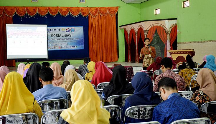 UNNES Sosialisasi SNMPTN dan SBMPTN di Kabupaten Tegal