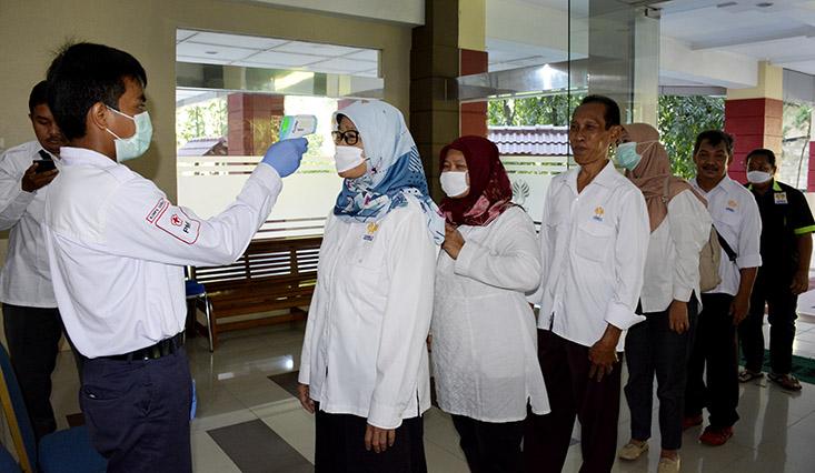 Cegah Virus Corona, UNNES Lakukan Cek Temperatur Tubuh