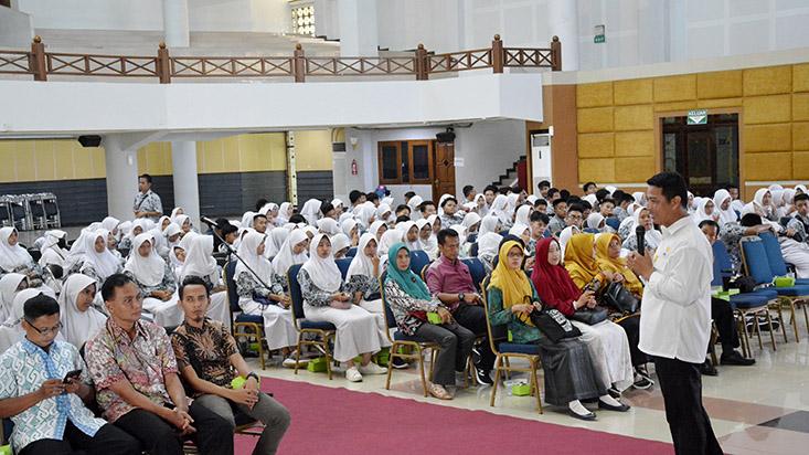 SMAN 1 Sumber Cirebon Kunjungi UNNES
