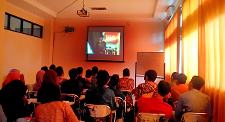 "Jurusan Bahasa Inggris adakan Teleconference Seminar Internasional ""TESOL Profession Summit 2017"" Langsung dari Athena, Yunani"