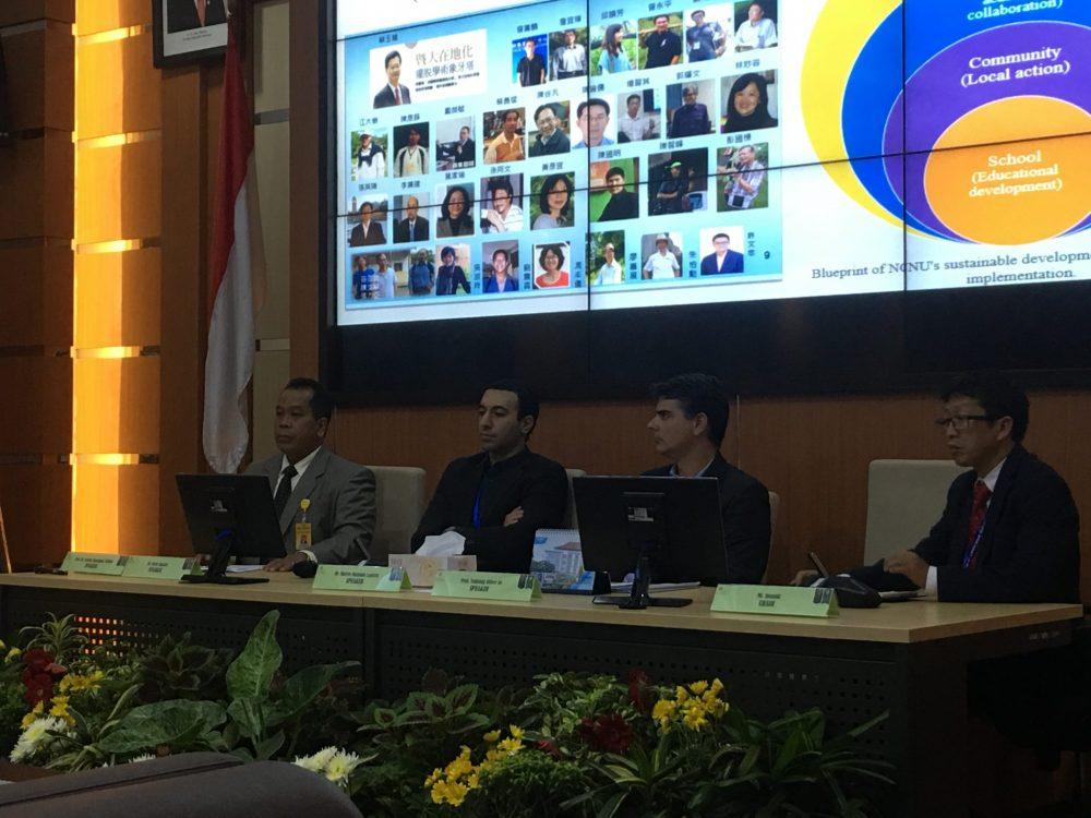Rektor UNNES Presentasikan Konservasi pada International Workshop on UI Greenmetric