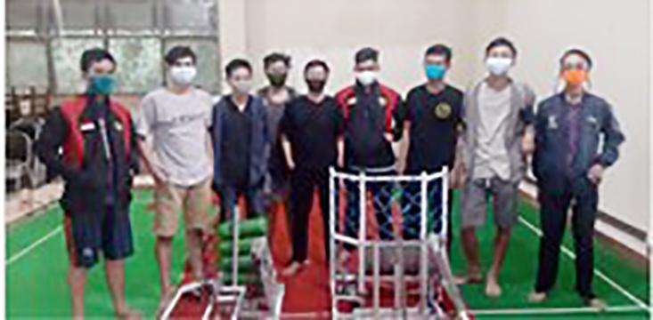 Tim Bledheg Ijo UNNES Maju dalam Kontes Robot Nasional
