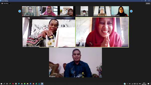Penyerahaan Penghargaan Satya Lancana Karya Satya, Rektor; Tingkatkan Motivasi dan Kinerja