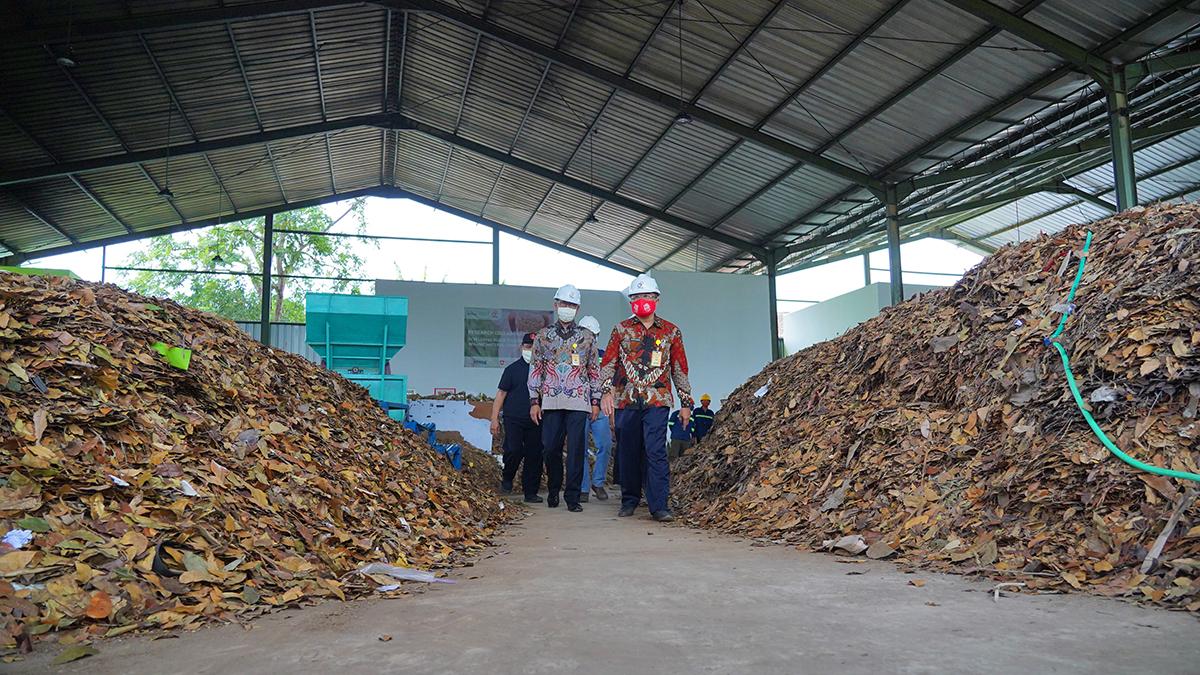 Tempat Pengolahan Sampah UNNES Diresmikan