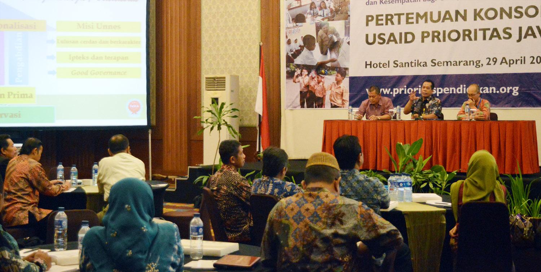 Rektor UNNES Buka Pertemuan Konsorsium LPTK USAID Prioritas