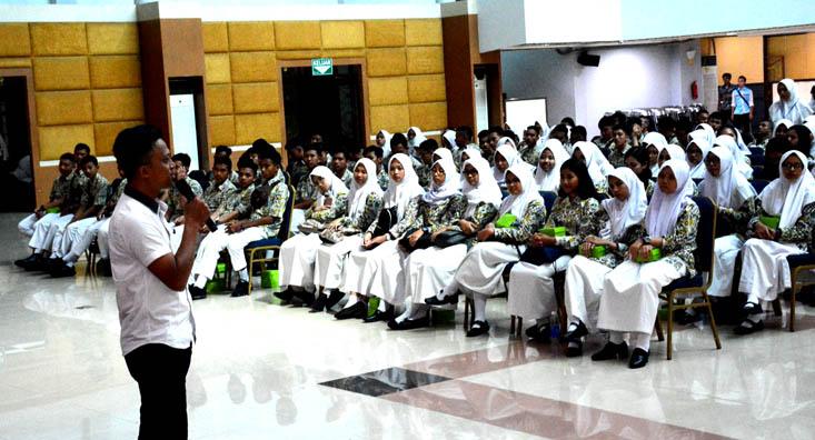 276 Siswa dan Guru SMAN I Lawang Malang Kunjungi UNNES