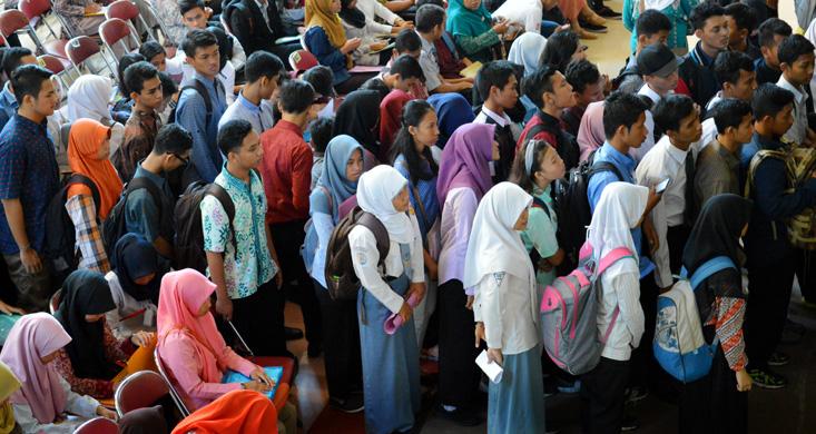 299 Calon Mahasiswa Unnes Jalur Prestasi Ikuti Tes Wawancara