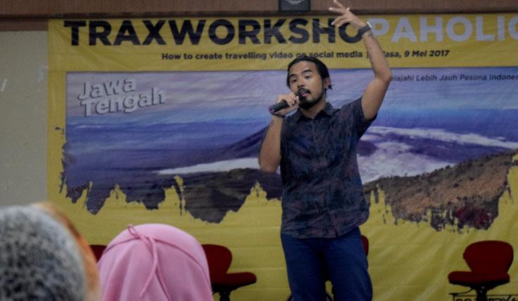 BEM FIS UNNES bersama Trax FM Semarang Selenggarakan Trax Workshopaholic