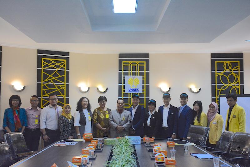 Tingkatkan Internasionalisasi, FIK UNNES Terima Mahasiswa International Students Exchange dari Vietnam