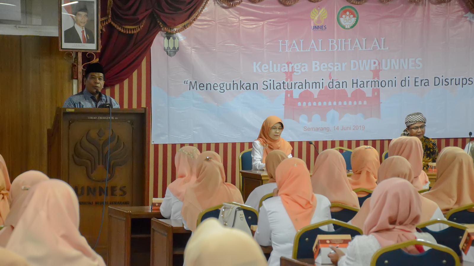 Perkuat Jalinan Silaturahmi Melalui Halal bi Halal DWP UNNES