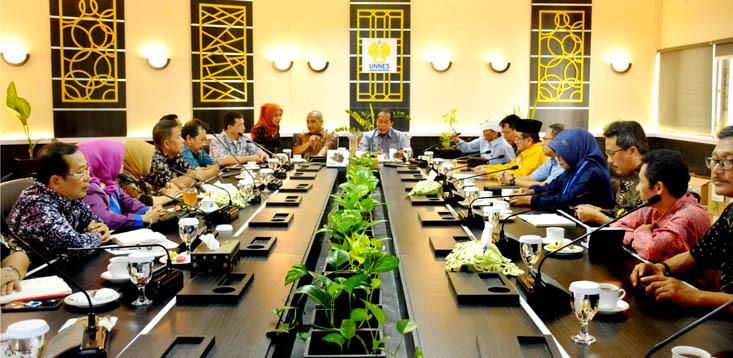 UNNES dan Yayasan Nawa Cita Kaji Pembangunan Strategis Indonesia