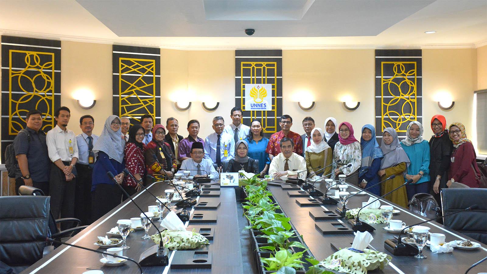 Kerjasama UNNES dengan Atase Pendidikan dan Kebudayaan Kedutaan Besar RI Singapura