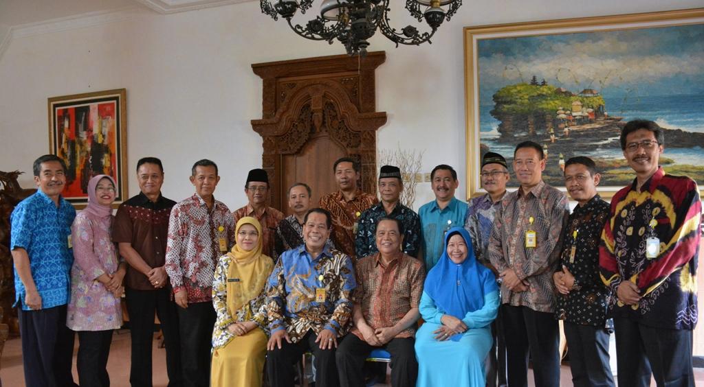 Hari Pertama Kerja, Pimpinan UNNES Silaturahmi ke Mantan Rektor