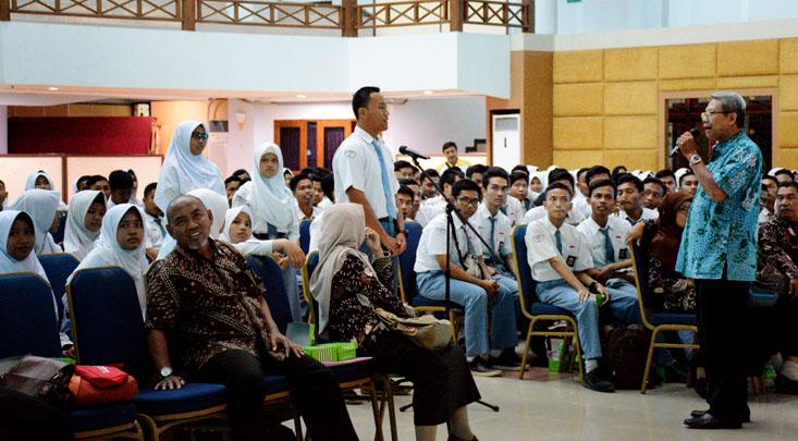 Kunjungi UNNES, Siswa SMA 1 Comal Semakin Termotivasi Berprestasi