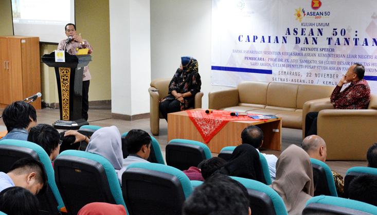 Kuliah Umum FH UNNES, ASEAN 50: Capaian & Tantangan