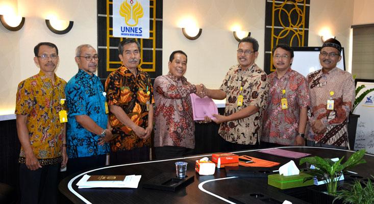 Prof  Wiyanto Koordinator Prodi Pendidikan IPA S2/S3