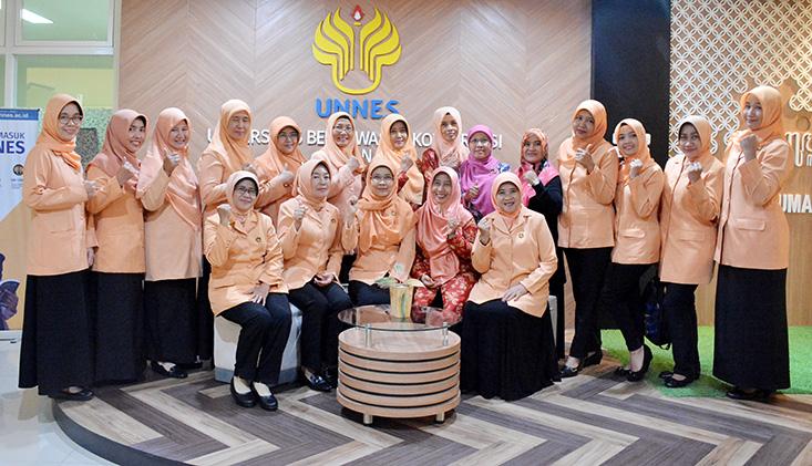DWP UNNES Terima Anjangsana DWP UIN Walisongo Semarang
