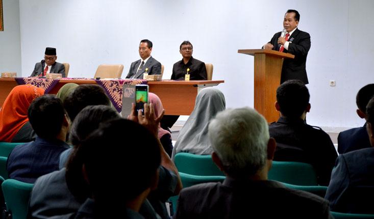 Rektor Ajak Civitas Akademika Tingkatkan Kedisiplinan