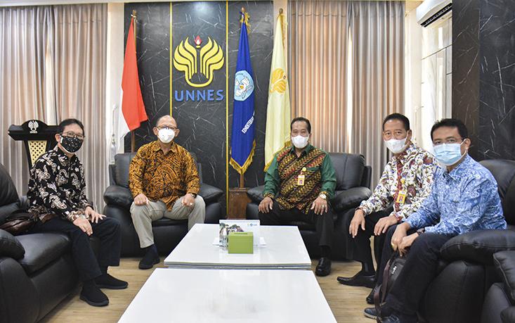 Terima Kunjungan Kerja UNSOED, Rektor UNNES: Pengadaan Barang Jasa di UNNES Sehat dan Tersistem