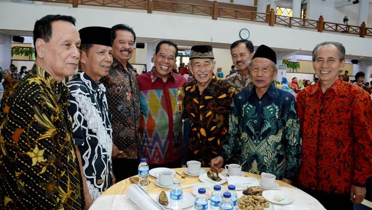 Temu Kangen Anggota Wredatama, Rektor UNNES Sapa Dengan Senyuman