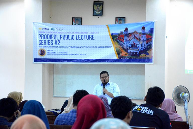 Undang Dosen Tamu, Prodi Ilmu Politik UNNES Selenggarakan Prodipol Public Lecture