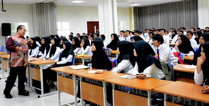 Prof Fathur: Jadilah Guru Profesional pada Era Disrupsi