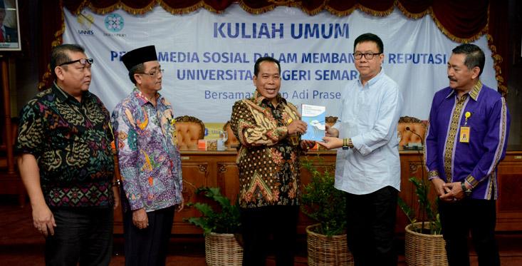 Ketua Dewan Pers Indonesia Beri kuliah Umum di UNNES