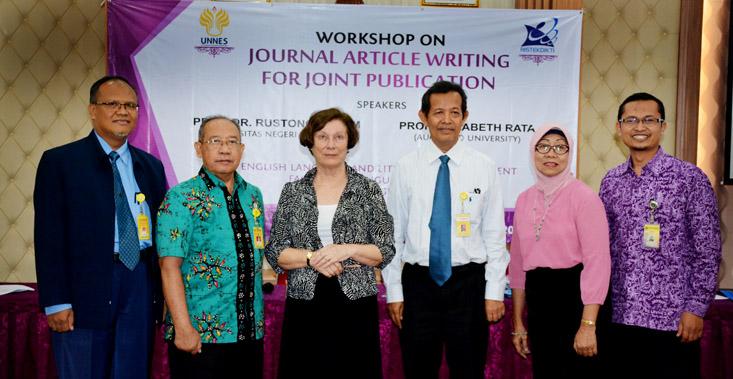 Tingkatkan Publikasi Jurnal, Jurusan Bahasa dan Sastra Inggris UNNES Adakan Workshop Joint Publication