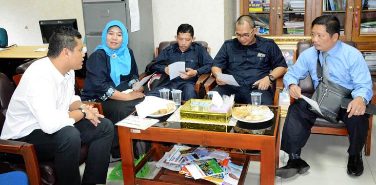 SMA Plus Negeri 2 Banyuasin III Sumatera Kunjungi UNNES