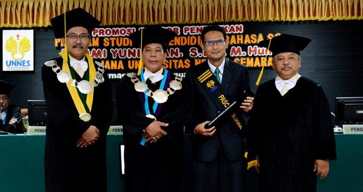 Tommi Yuniawan Doktor ke-8 Ekolinguistik di Indonesia