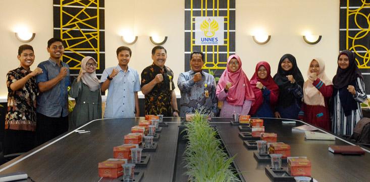 Rektor UNNES: Jadilah Mahasiswa yang Cerdas dan Berkarakter