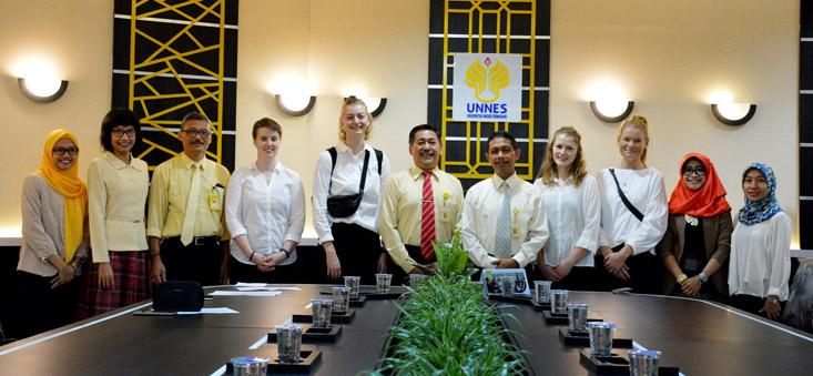 4 Mahasiswa VIA Denmark PPL di Labschool UNNES