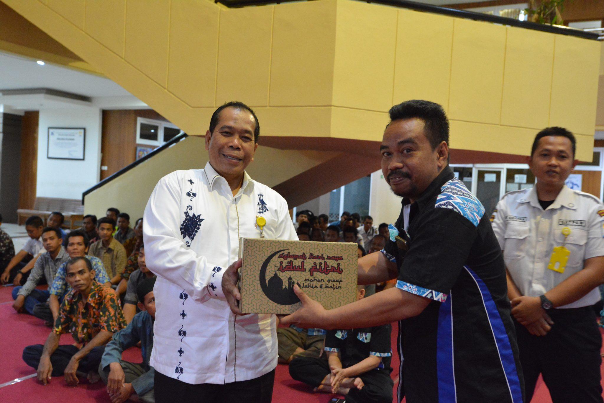 Penghargaan UNNES Untuk Setiap Elemen Pendukung Kampus