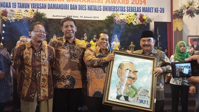 Rektor Terima Damandiri Award, Posdaya Binaan Unnes Terbaik Ketiga Nasional